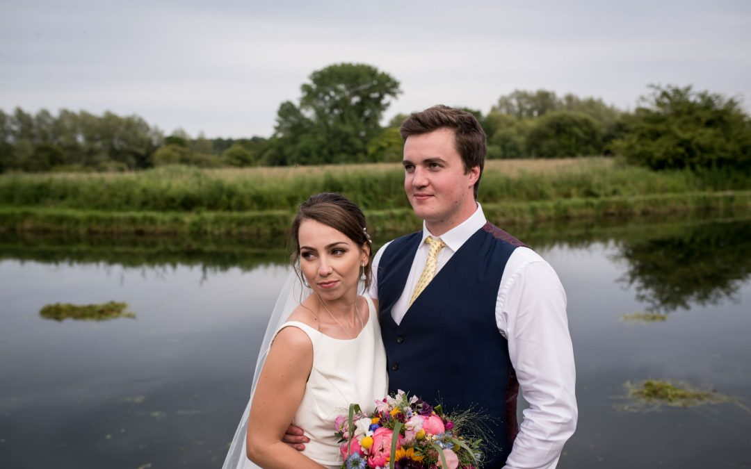 Houghton Lodge Gardens / Gorgeous Riverside wedding